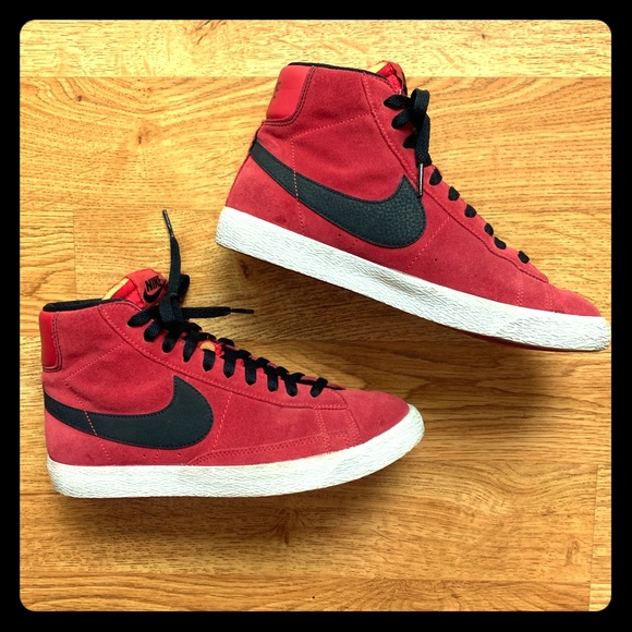 cheap for discount 0016a ecb20 Nike Blazer Mid Retro Suede High Top Sneakers